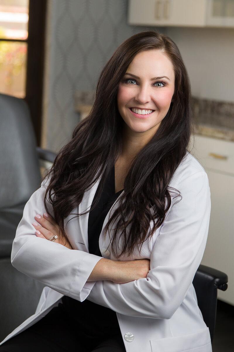 Breast reduction Scottsdale plastic surgeon Dr. Ashley Howarth